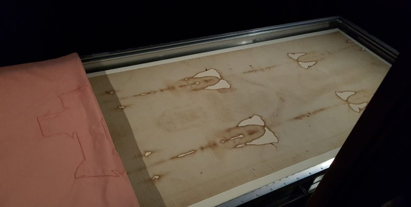 Lighting the Turin Shroud for Exhibition in 2015 - Museo della Sindone